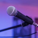 microphone-1159791_640